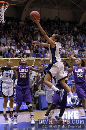 Jasmine Thomas soars to the basket