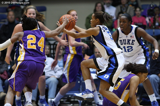 Jasmine Thomas picks up a steal; Duke had eleven thefts in the first half alone.