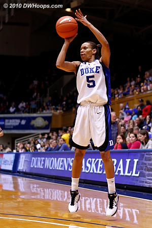 Jasmine Thomas hits a three pointer to give Duke a 17-13 advantage.  - Duke Tags: #5 Jasmine Thomas