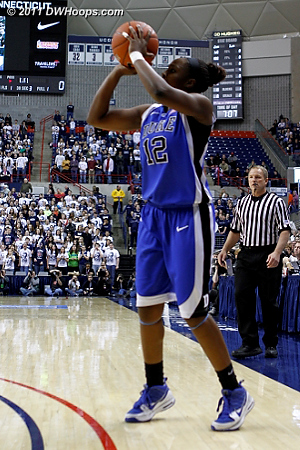 Chelsea Gray couldn't hit an open three as Duke's futility continued.  - Duke Tags: #12 Chelsea Gray
