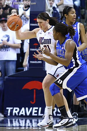 Stefanie Dolson irritated after being tied up, arrow to Duke