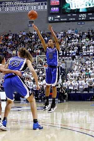 Jasmine Thomas launches a trey as the UConn lead has ballooned to 21-2  - Duke Tags: #5 Jasmine Thomas