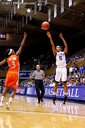Jasmine's trey capped off Duke's 22-0 run, Devils lead 29-7 with 8:42 left in the half.  - Duke Tags: #5 Jasmine Thomas