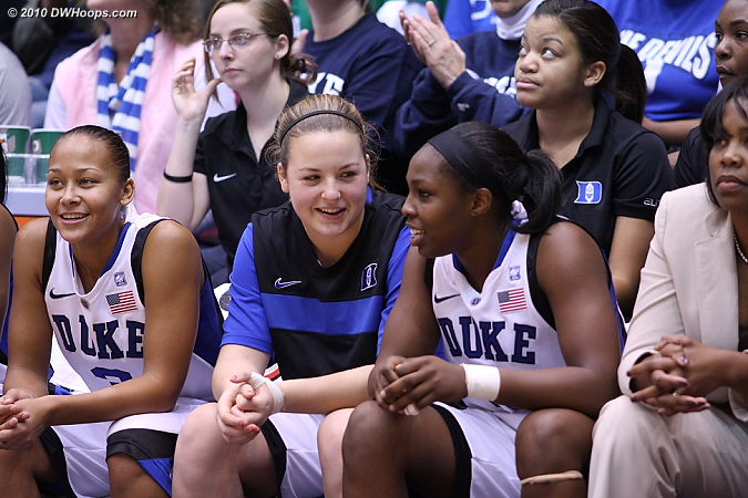 The Duke bench staying in the game as J.Thomas free throws cut the deficit to one.  - Duke Tags: Trisha Stafford-Odom, #32 Tricia Liston, #12 Chelsea Gray, #3 Shay Selby