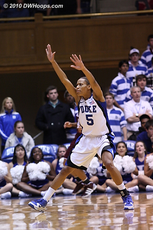 Complete focus from Jas.  - Duke Tags: #5 Jasmine Thomas