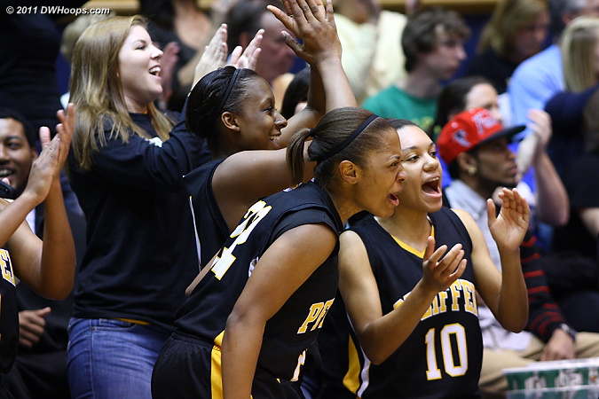 Pfeiffer bench reacts to the Lemons make  