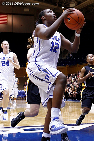 Gray goes to the hoop again, she scored 15 on just 11 shots  - Duke Tags: #12 Chelsea Gray
