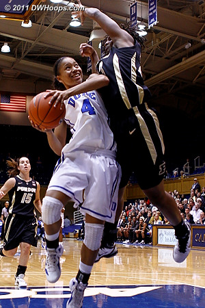 Poston would frustrate Chloe's shot  - Duke Tags: #4 Chloe Wells