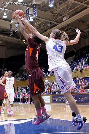 A poor pass from Chelsea gives the Hokies the ball, it's 40-35 Duke at this point  - Duke Tags: #43 Allison Vernerey - VT Players: #43 LaTorri Hines-Allen