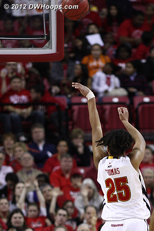 Two free throws by Thomas cut Duke's lead to five  - MD Players: #25 Alyssa Thomas
