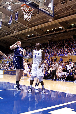 Gray whipped a no-look past to Williams so quickly that I was too late to get the shot.  34-27 UConn.  - Duke Tags: #1 Elizabeth Williams - CONN Players: #31 Stefanie Dolson
