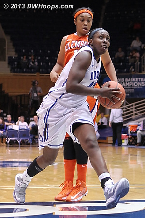 Chelsea Gray with a clear path to the hoop  - Duke Tags: #12 Chelsea Gray - CLEM Players: #12 Quinyotta Pettaway
