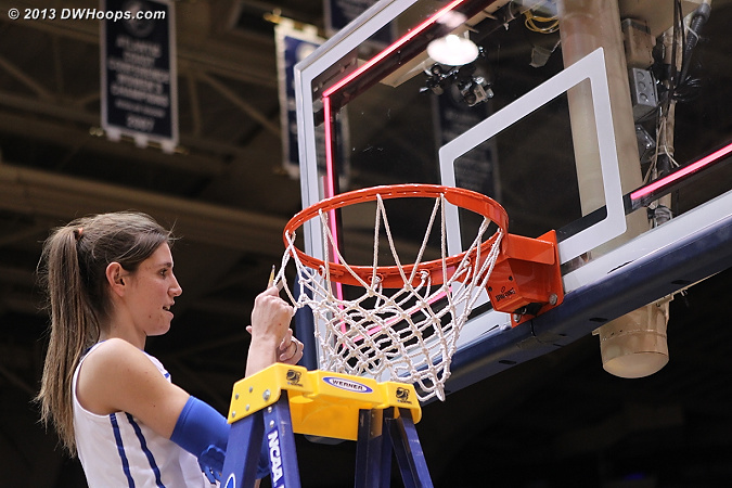 Vernerey cuts the net  - Duke Tags: #43 Allison Vernerey