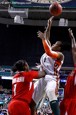 DWHoops Photo  - NCSU Players: #1 Myisha Goodwin-Coleman - MIA Tags: #1 Riquna Williams
