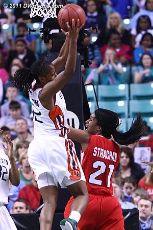 DWHoops Photo  - NCSU Players: #21 Brittany Strachan - MIA Tags: #32 Morgan Stroman