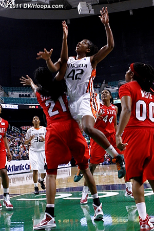 DWHoops Photo  - NCSU Players: #21 Brittany Strachan - MIA Tags: #42 Shenise Johnson