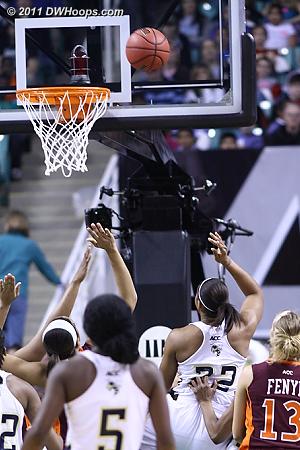 First basket  - GT Players: #22 Alex Montgomery