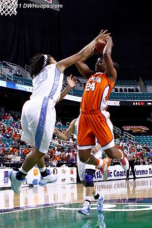 Tate scores over Ruffin-Pratt, Tigers trail by just three  - CLEM Players: #24 Jasmine Tate - UNC Tags: #44 Tierra Ruffin-Pratt