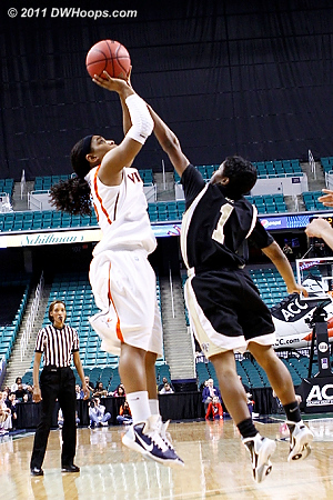 Moorer came in after Franklin got two quick fouls - she was very effective  - UVA Players: #15 Ariana Moorer - WF Tags: #1 Brooke Thomas