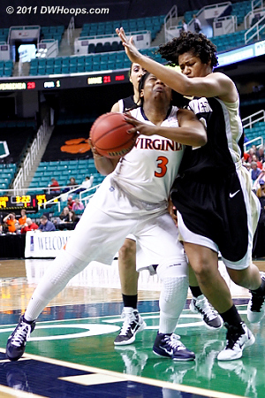 DWHoops Photo  - UVA Players: #3 Paulisha Kellum - WF Tags: #13 Mykala Walker