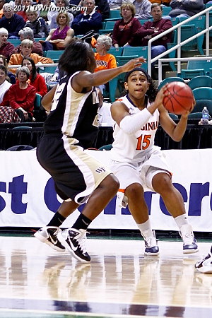 DWHoops Photo  - UVA Players: #15 Ariana Moorer - WF Tags: #22 Lakevia Boykin