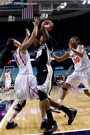 Virginia didn't give up, pressing relentlessly  - UVA Players: #1 China Crosby, #30 Telia McCall - WF Tags: #23 Secily Ray