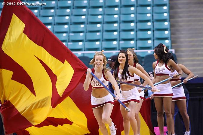DWHoops Photo  - FSU Players:  FSU Cheerleaders