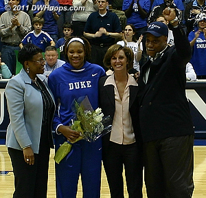 Monique on Senior Night 2006 with her mother, Duke coach Gail Goestenkors, and father.