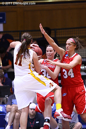 Bolte has nowhere to go, Marist gets another turnover  11 Kelsey Bolte