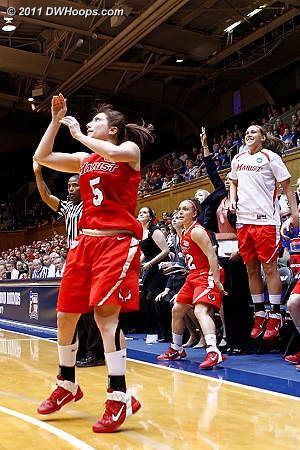 Caron trey puts Marist up by double digits with 2:55 left  5 Elise Caron