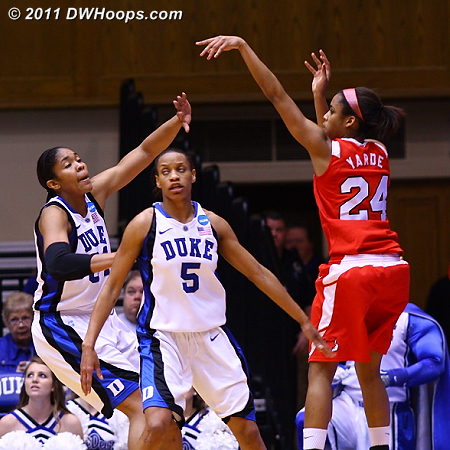 Thomases too late as Marist begins a 10-0 run  - Duke Tags: #5 Jasmine Thomas, #34 Krystal Thomas 24 Corielle Yarde